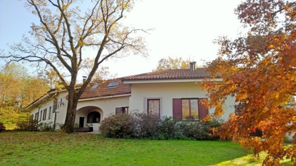Villa in vendita a Ivrea, 6 locali, Trattative riservate | Cambio Casa.it