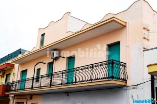 Appartamento in vendita a Oria, 6 locali, prezzo € 160.000 | Cambio Casa.it