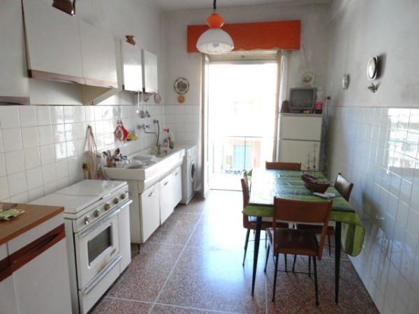 Bilocale Genova Via Del Capriolo 13