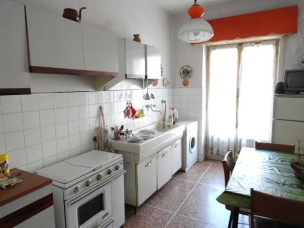 Bilocale Genova Via Del Capriolo 3