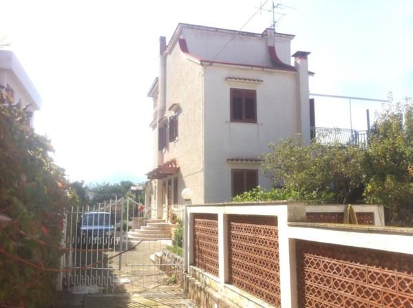 Villa in Vendita a Capaci Centro: 5 locali, 729 mq