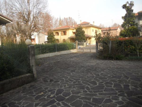 Villa in vendita a Guastalla, 6 locali, Trattative riservate | CambioCasa.it