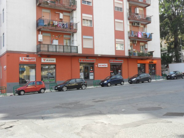 Negozio / Locale in vendita a Messina, 5 locali, prezzo € 200.000 | Cambio Casa.it