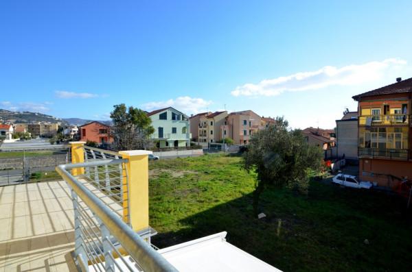 Appartamento in Vendita a Loano Periferia: 3 locali, 55 mq