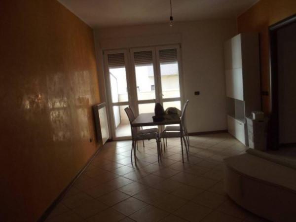 Appartamento in affitto a Arcisate, 3 locali, prezzo € 600   Cambio Casa.it