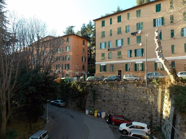 Bilocale Genova Via Giovanni Casaccia 11