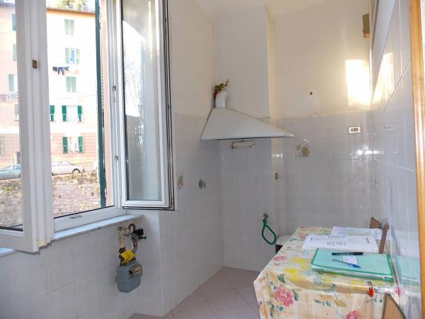 Bilocale Genova Via Giovanni Casaccia 4