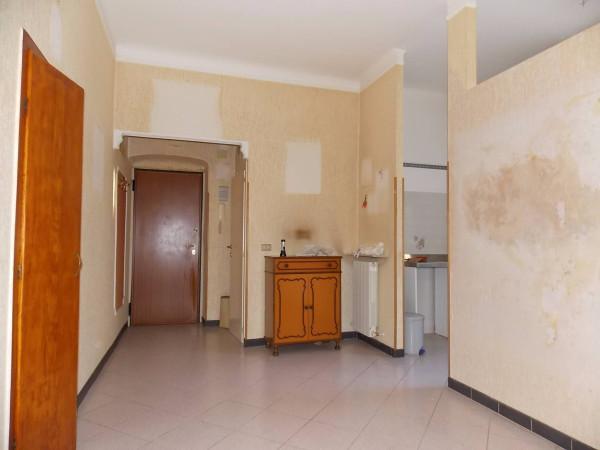 Bilocale Genova Via Giovanni Casaccia 7