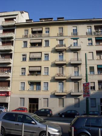 Bilocale Milano Via Mac Mahon 3