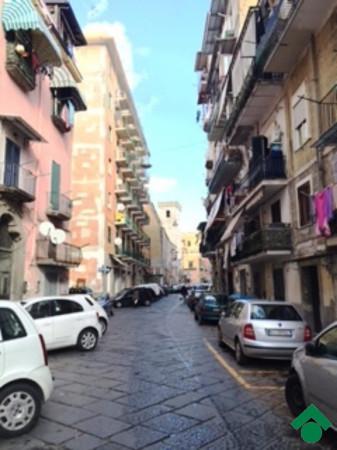 Bilocale Napoli Via San Antonio Abate 1
