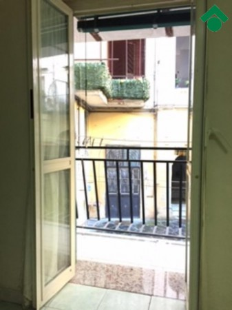 Bilocale Napoli Via San Antonio Abate 10