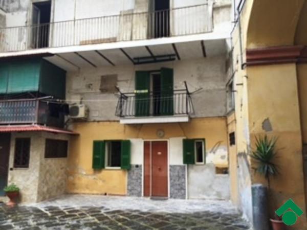 Bilocale Napoli Via San Antonio Abate 12