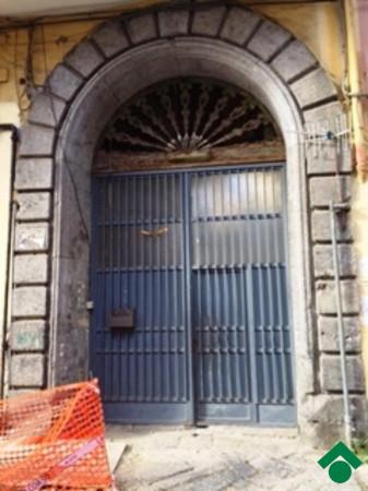 Bilocale Napoli Via San Antonio Abate 6