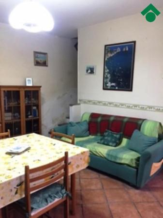 Bilocale Napoli Via San Antonio Abate 9