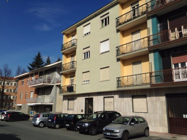 Appartamento in vendita a Pianezza, 3 locali, prezzo € 73.000 | Cambio Casa.it