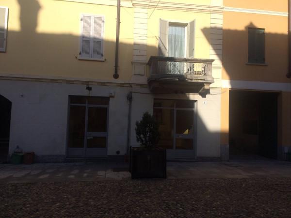 Negozio / Locale in affitto a Tradate, 2 locali, prezzo € 650 | Cambio Casa.it