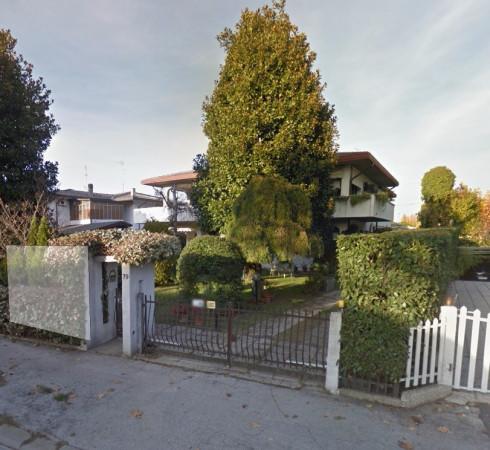 Villa in vendita a Selvazzano Dentro, 6 locali, prezzo € 295.000 | Cambio Casa.it