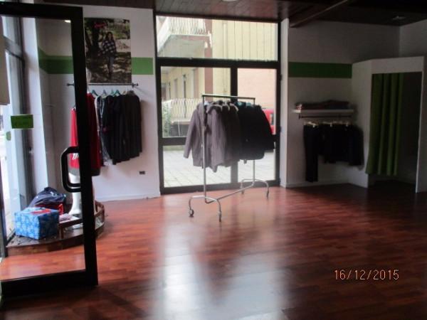 Negozio / Locale in affitto a Mercato San Severino, 9999 locali, prezzo € 450 | CambioCasa.it