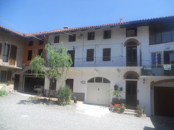 Bilocale Viverone Via Umberto, 100 1