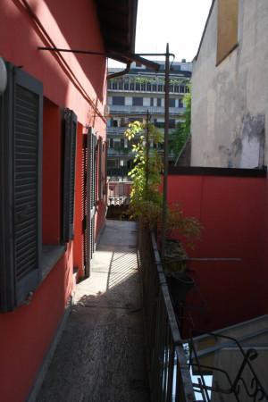 Bilocale Milano Via Vittorio Alfieri 2