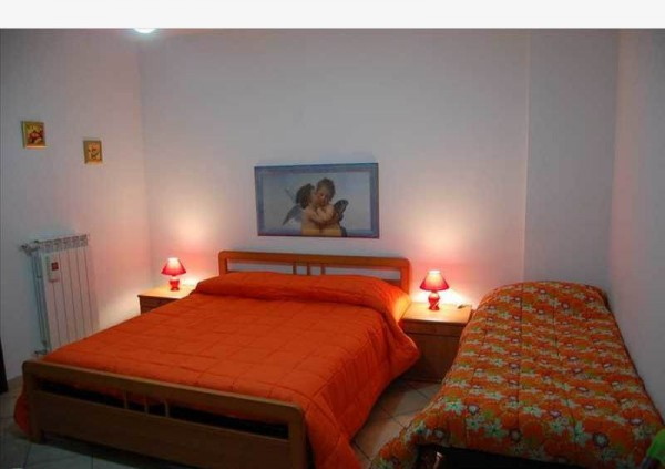Appartamento in Vendita a Lecce Periferia: 3 locali, 90 mq