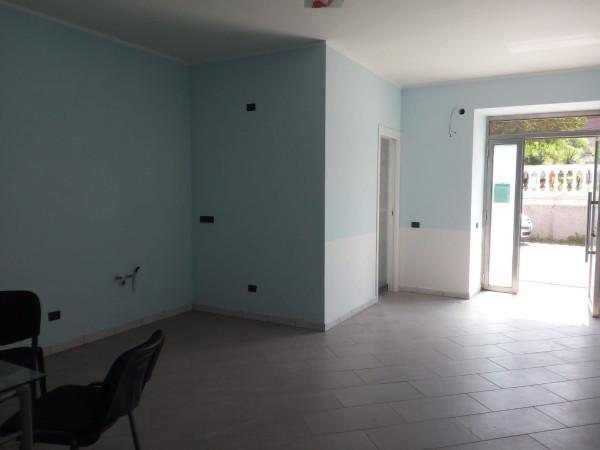 Negozio / Locale in affitto a Mercato San Severino, 1 locali, prezzo € 250 | CambioCasa.it