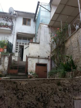 Soluzione Indipendente in affitto a Alvignano, 6 locali, Trattative riservate | CambioCasa.it