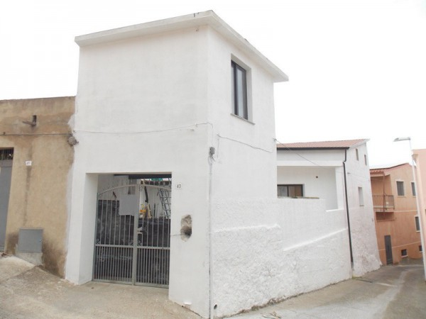 Rustico / Casale in vendita a Muravera, 6 locali, prezzo € 135.000   Cambio Casa.it