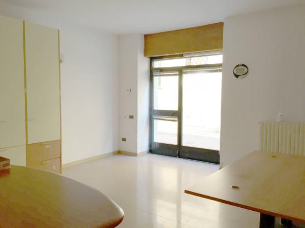 Ufficio / Studio in affitto a Caravaggio, 2 locali, prezzo € 700 | Cambio Casa.it