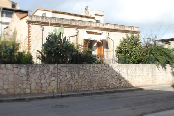 Villa in vendita a Partinico, 6 locali, prezzo € 120.000 | Cambio Casa.it