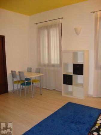 Bilocale Padova Via Santa Rosa 5