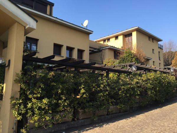 Appartamento in vendita a Lesmo, 4 locali, prezzo € 410.000 | CambioCasa.it