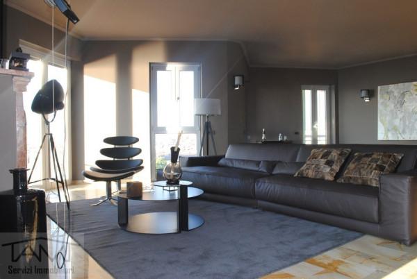 Attico / Mansarda in vendita a Verbania, 5 locali, prezzo € 950.000 | Cambio Casa.it