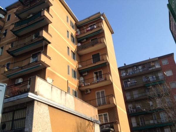 Bilocale Milano Via Adriano 13