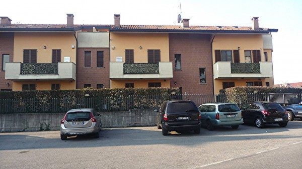 Bilocale Aicurzio Via Dante Alighieri 3