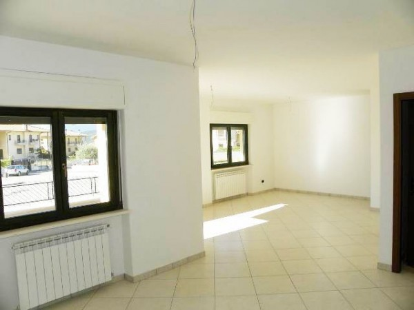 Villa in vendita a Avezzano, 6 locali, prezzo € 250.000 | Cambio Casa.it