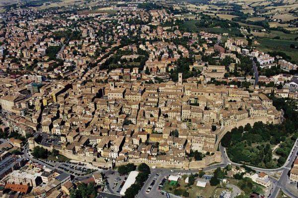 Bilocale Jesi Via Terme 12