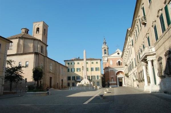 Bilocale Jesi Via Gioacchino Rossini 12