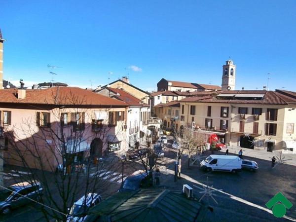 Bilocale Sesto Calende Piazza Garibaldi 2