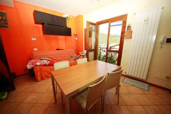 Appartamento in vendita a Sale Marasino, 3 locali, prezzo € 130.000 | Cambio Casa.it