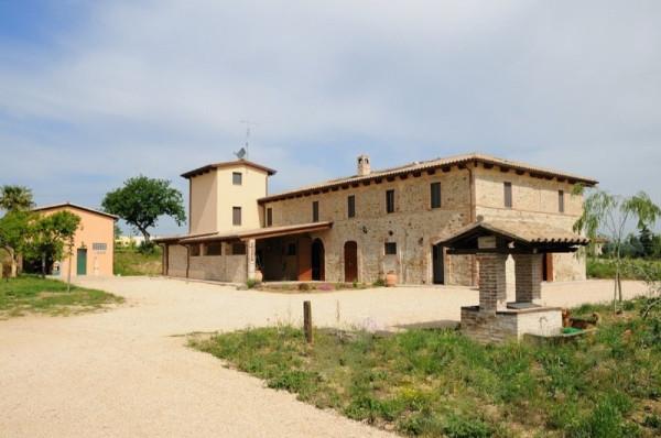 Rustico / Casale in vendita a Marsciano, 6 locali, prezzo € 650.000 | Cambio Casa.it