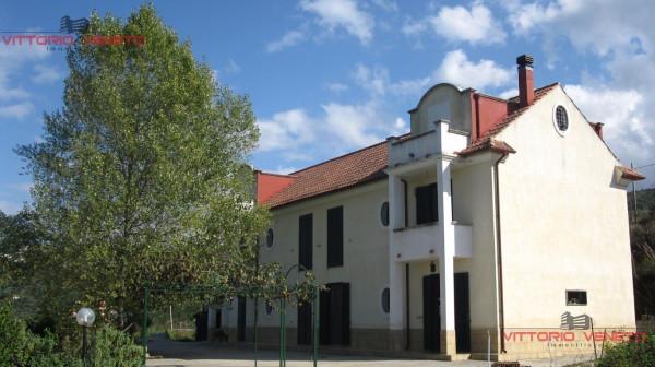 Villa in vendita a Laureana Cilento, 6 locali, prezzo € 500.000 | Cambio Casa.it