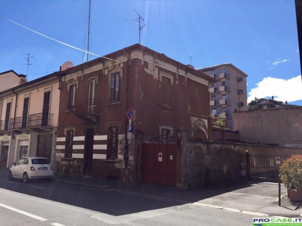 Villa in vendita a Saronno, 5 locali, prezzo € 300.000 | CambioCasa.it