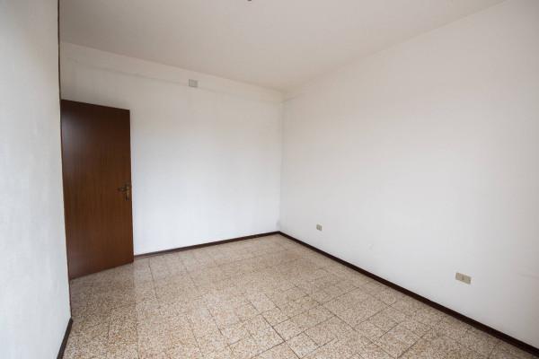 Appartamento in vendita a Nerviano, 3 locali, prezzo € 115.000 | Cambio Casa.it
