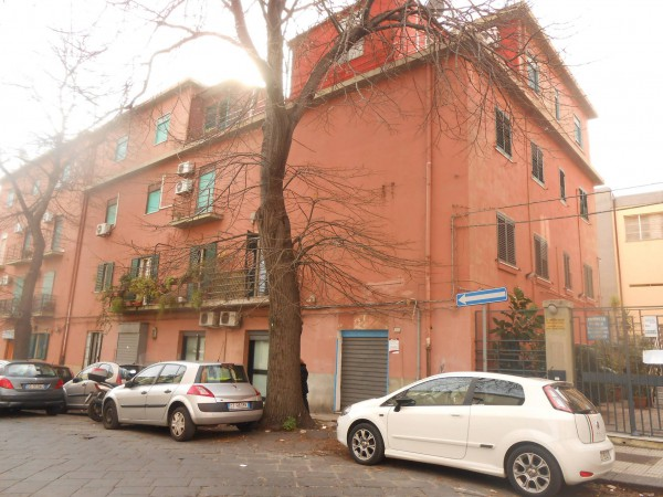 Negozio / Locale in affitto a Messina, 2 locali, prezzo € 550 | Cambio Casa.it
