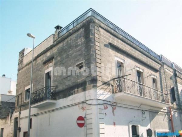 Appartamento in vendita a Oria, 6 locali, prezzo € 155.000 | Cambio Casa.it