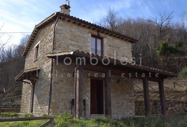 Rustico / Casale in vendita a Frontone, 4 locali, prezzo € 248.000 | Cambio Casa.it