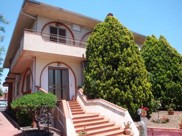 Villa in Vendita a Mascalucia Semicentro: 4 locali, 370 mq