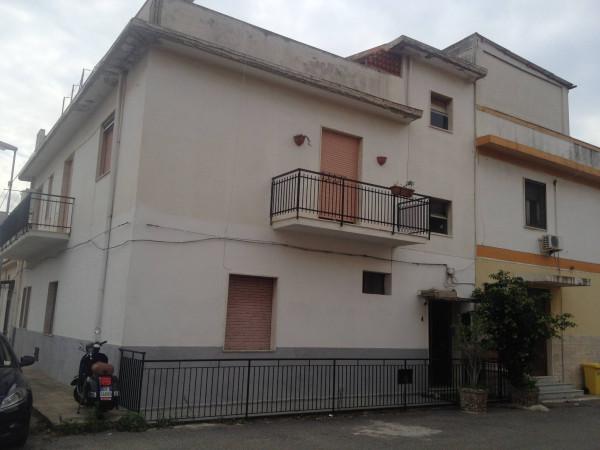 Appartamento in vendita a Reggio Calabria, 4 locali, prezzo € 70.000   Cambio Casa.it
