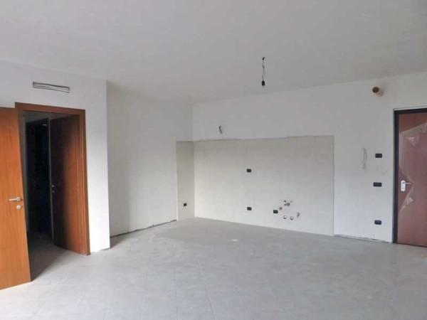 Appartamento in vendita a Brebbia, 3 locali, prezzo € 130.000 | Cambio Casa.it